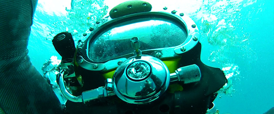 Capacetes para mergulho offshore